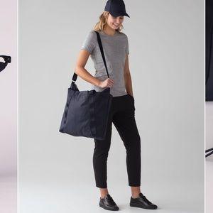 Lululemon Carry the Day Bag